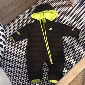 Nike Snow Suit NWOT
